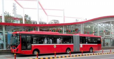 لاہور میں پبلک ٹرانسپورٹ پر پابندی ختم ، میٹرو، اسپیڈو بس اور اورنج ٹرین سمیت تمام لوکل ٹرانسپورٹ چل پڑی