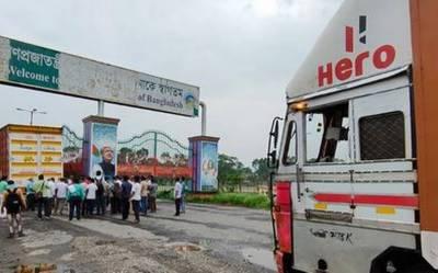 بھارت میں مزید 2 ہزار 806 ہلاکتیں، بنگلہ دیش نے بھی سرحدیں بند کر دیں