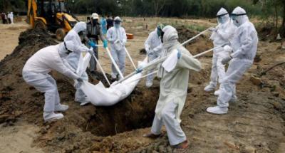 بھارت میں کورونا سے 24 گھنٹوں کے دوران چونتیس سے زائد افراد ہلاک