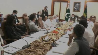 وزیراعظم عمران خان سے جنوبی پنجاب سے تعلق رکھنے والے ممبران قومی و صوبائی اسمبلی کی ملاقات