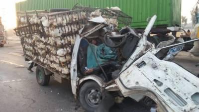 رحیم یارخان: مزداٹرک ٹرالر سے ٹکرا گیا ،2افرادجاںبحق،1زخمی