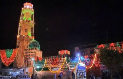 آج رمضان المبارک کی ستائیس ویں شب ، لیلۃ القدر کی تلاش میں فرزندان اسلام خصوصی عبادات میں مصروف