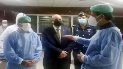 وزیراعظم کا پیمز ہسپتال میں کورونا وارڈ کا اچانک دورہ