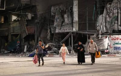 اسرائیلی حملوں کے باعث ,غزہ میں بے گھر فلسطینی شہری
