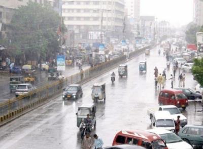 کراچی میں بارش اور آندھی، بچے سمیت 4 افراد جاں بحق