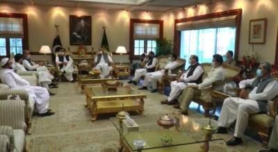 وزیراعلیٰ پنجاب سردار عثمان بزدار سے پاکستان کسان اتحاد کے مرکزی صدر خالد کھوکھر کی ملاقات