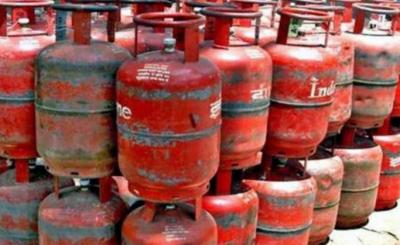 ایل پی جی کے گھریلو سلنڈر: قیمت میں 94 روپےکا اضافہ, نوٹی فکیشن جاری
