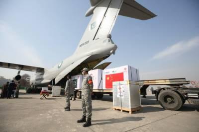 چین کی جانب سے عطیہ کردہ کوویڈ19-ویکسین کی چوتھی کھیپ پاکستان پہنچ گئی