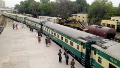 ڈہرکی ٹرین حادثہ: 3 گھنٹے تک ٹریک بحال کر دیا جائے گا ریلوے حکام
