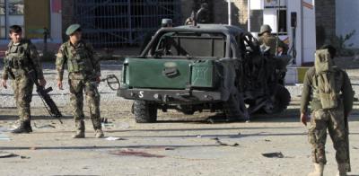 افغانستان: فوجی ا ڈے پر کار بم حملے میں6سیکیورٹی اہلکار ہلاک،10زخمی