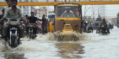 کراچی میں مون سون بارشوں کی پیشگوئی، تمام اداروں کو الرٹ رہنے کا حکم