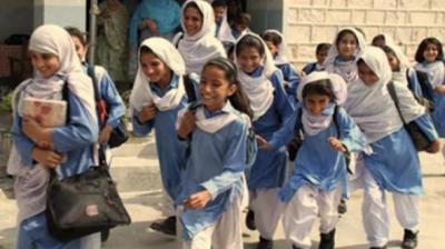 محکمہ تعلیم خیبرپختونخوا کا صوبے کے تمام سکول کل سے دوبارہ کھولنے کی ہدایت