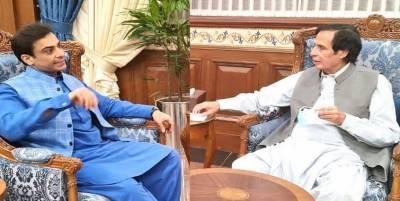 سپیکر چودھری پرویزالٰہی سے اپوزیشن لیڈر حمزہ شہباز کی ملاقات