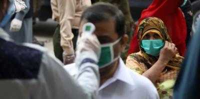 کرونا وائرس: پاکستان میں نئے کیسز اور اموات میں بتدریج کمی کا سلسلہ جاری