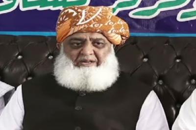 بجٹ جھوٹ کا پلندہ، بجٹ میں پیسہ نہیں ہے، منہگائی کا پہاڑ گرنے والا ہے: مولانا فضل الرحمان