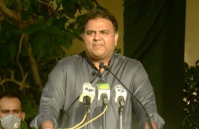 جو پیسہ بھی سندھ سرکار کو دیتےہیں، وہ دبئی سے برآمد ہوتا ہے, سندھ میں اگلی حکومت پی ٹی آئی کی ہوگی: وفاقی وزیر اطلاعات فواد چوہدری
