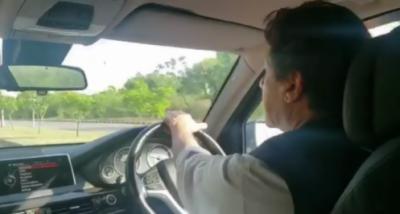 وزیر اعظم کا اسلام آباد ریڑھی بان مارکیٹ کا دورہ
