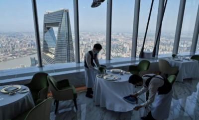 چین میں دنیا کے بلند ترین ہوٹل کا افتتاح, ہوٹل کے جے سوٹ کا کرایہ 10 ہزار ڈالرز سے زیادہ