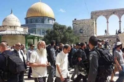 اسرائیلی آباد کاروں کی جانب سے مسجد اقصیٰ میں گھس کر قبلہ اول کی بے حرمتی