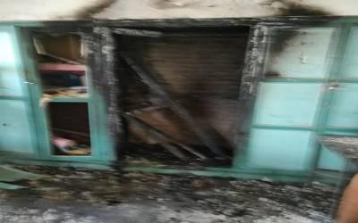 طلباء نے امتحانات ختم ہونے کے بعد اپنے ہی ا سکول میں آگ لگا دی