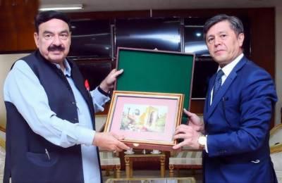 شیخ رشید احمد اور ازبکستان کے سفیر اویبک عارف عثمان وو کے درمیان ملاقات