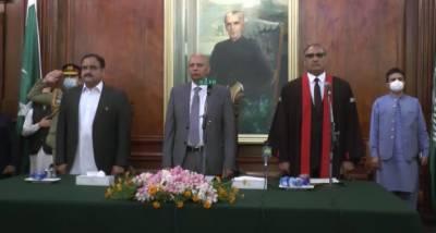 وزیراعلیٰ پنجاب سردار عثمان بزدار کی گورنر ہاؤس میں لاہور ہائی کورٹ کے نئے چیف جسٹس محمد امیر بھٹی کی تقریب حلف برداری میں شرکت
