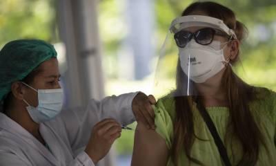 کورونا کی مکمل ڈوز لگوانے والے وائرس کی تمام اقسام سے محفوظ ہیں.سی ڈی سی اور ایف ڈی اے