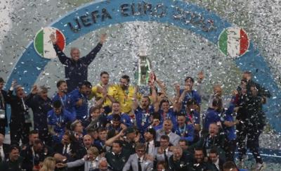 اٹلی یورو کپ کا چیمپئن بن گیا، سنسنی خیز مقابلے کے بعد انگلینڈ کو شکست دے کر فٹبال کی یورپی چیمپئن شپ اپنے نام کرلی