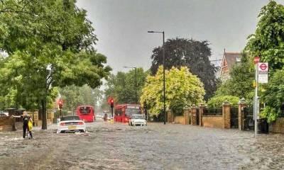 لندن میں طوفانی بارشیں،گاڑیاں پانی میں ڈوب گئیں، گھروں میں پانی داخل