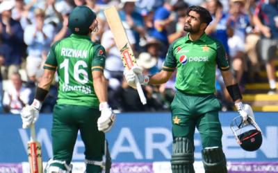 تیسرے ون ڈے میں پاکستان کا انگلینڈ کو جیت کیلیے 332 رنز کا ہدف