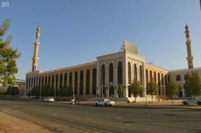مسجد نمرہ اور مسجد المشعر الحرام میں نئے قالین بچھوادئے گئے