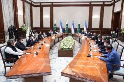 وزیراعظم اور ازبک صدر شوکت مزیوف کے درمیان تاشقند میں ون آن ون ملاقات