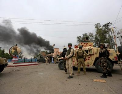 افغانستان میں طالبان کےاہم صوبوں پر بڑےحملے : افغان فورسزکوبھاری جانی نقصان،243فوجیوں نےہتھیارڈال دیئے