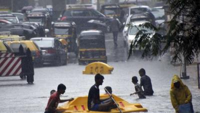 بھارتی شہر ممبئی میں شدید بارشوں نے تباہی مچادی ، ہلاکتیں 42 ہوگئیں, ایمرجنسی نافذ