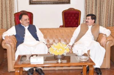 گورنر بلوچستان سید ظہور احمد آغا سے چیرمین سینٹ محمد صادق سنجرانی نے گورنر ہاوس کوئیٹہ میں ملاقات کی