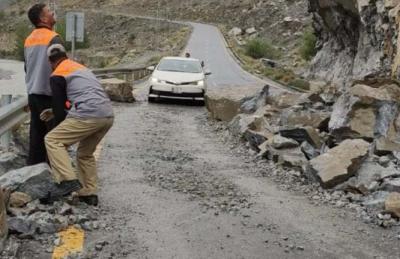 گلگت بلتستان: شاہراہِ قراقرم لینڈ سلائیڈنگ سے بند، سیلاب سے زندگی متاثر
