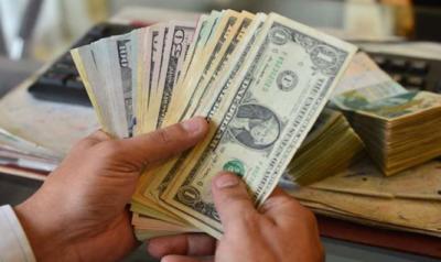 ڈالر کی اونچی اڑان جاری، ڈالر162 روپے سے تجاوز کرگیا