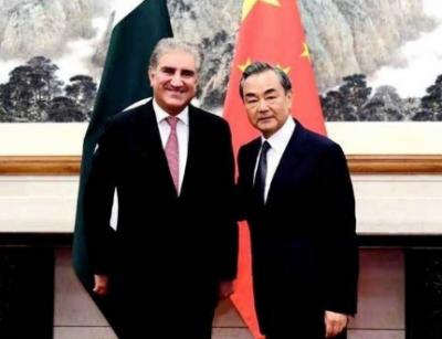 وزیر خارجہ سرکاری دورے پر چین پہنچ گئے
