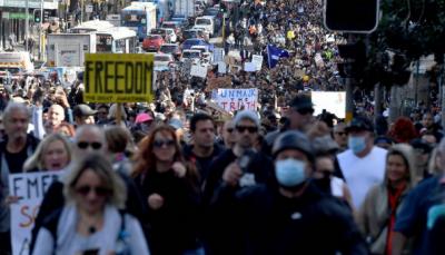 آسٹریلیا کے شہروں میں لاک ڈاؤن کے خلاف ہزاروں افراد کا احتجاج، پولیس سے جھڑپیں, مظاہرین گرفتار