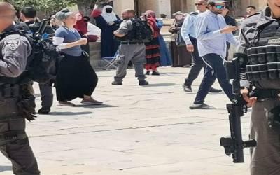 اسرائیلی آباد کاروں کی جانب سے پھرمسجد اقصیٰ کی بے حرمتی