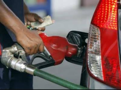 سرگودھا سمیت مختلف علاقوں میں پٹرول بحران سر اٹھانے لگا