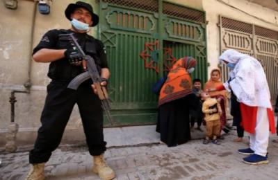 پشاور میں پولیو ٹیم پر حملہ، پولیس اہلکار شہید