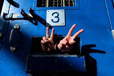 اسرائیلی جیلوں میں قید 2فلسطینیوں نے بھوک ہڑتال معطل کر دی