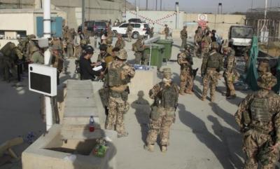 کابل ائیرپورٹ پر افراتفری برقرار، بیرون ملک جانے کے خواہشمند مزید 7 شہری ہلاک