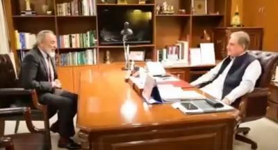 کینیڈا کے لیے پاکستان کے نامزد ہائی کمشنر امیر خرم راٹھور کی وزارتِ خارجہ میں وزیر خارجہ مخدوم شاہ محمود قریشی سے ملاقات
