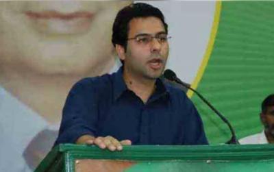 وزیراعلیٰ سندھ مراد علی شاہ پنجاب پر بے بنیاد الزام لگانے کی بجائے سندھ میں پانی چوری روکیں: مونس الٰہی