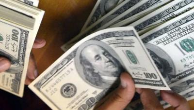 ڈالر کی اونچی اڑان، 166 روپے سے تجاوز کر گیا