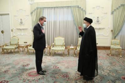 وزیر خارجہ کی ایران کے صدر ابراہیم رئیسی سے ملاقات