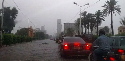 کراچی میں بارشیں: کرنٹ لگنے سے کمسن بچی سمیت 4 افراد جاں بحق