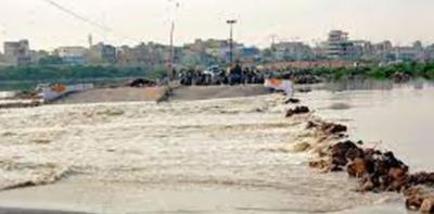 بارش سے ملیر ندی میں پانی کا بہاؤ تیز، متعدد سڑکیں ٹریفک کیلئے بند